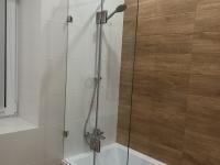 Перегородка на ванную с дверью