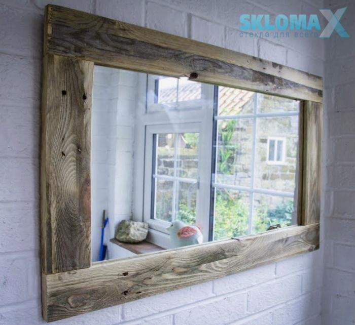 Деревянная рамка для зеркала