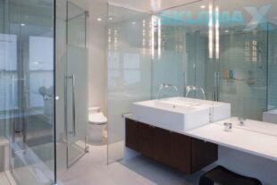 Стекло в интерьере ванной Фото