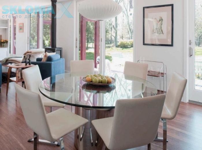 Стол из стекла в интерьере Фото